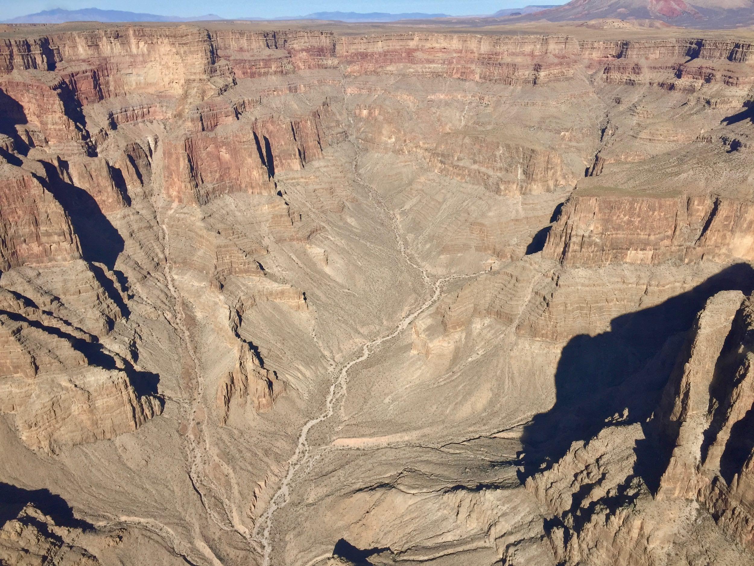Собственно сам Гранд-Каньон состоит из множества маленьких каньонов